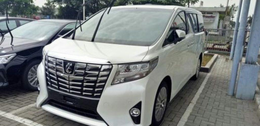 Harga sewa Mobil Alphard di Jakarta