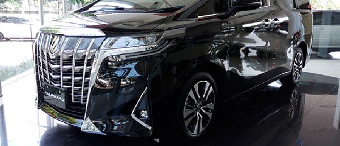 Sewa Mobil Toyota Alphard di Jakarta